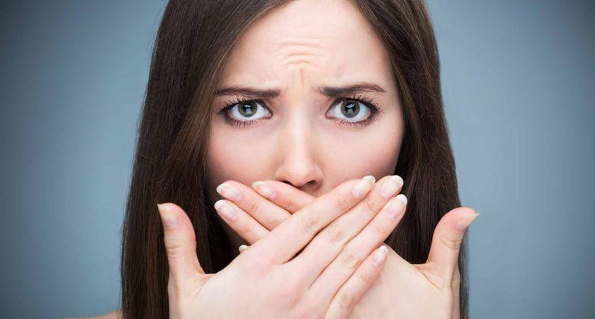 blogas burnos kvapas kaip ji panaikinti
