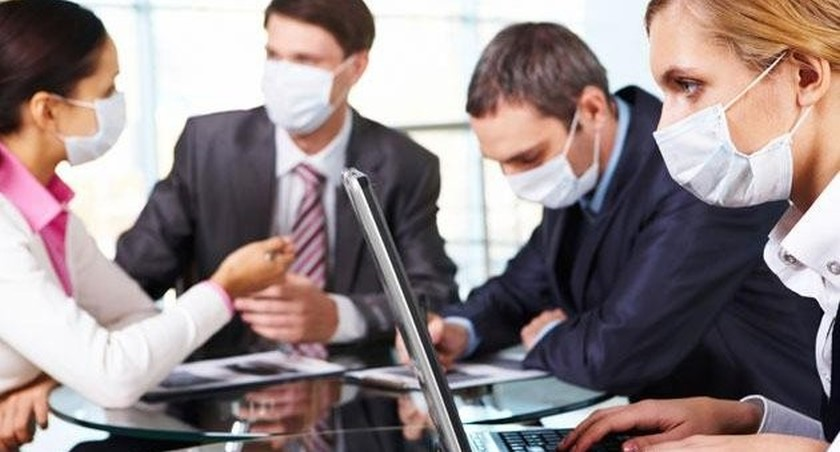 blogas burnos kvapas ofise